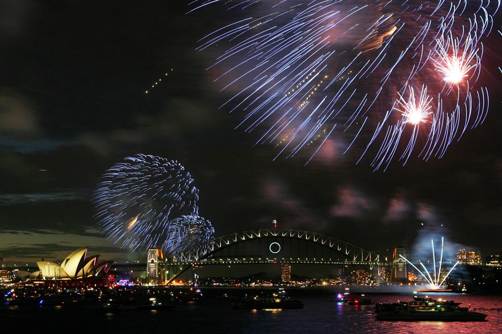 Pesta Tahun Baru Dari Berbagai Negara N07_21575435