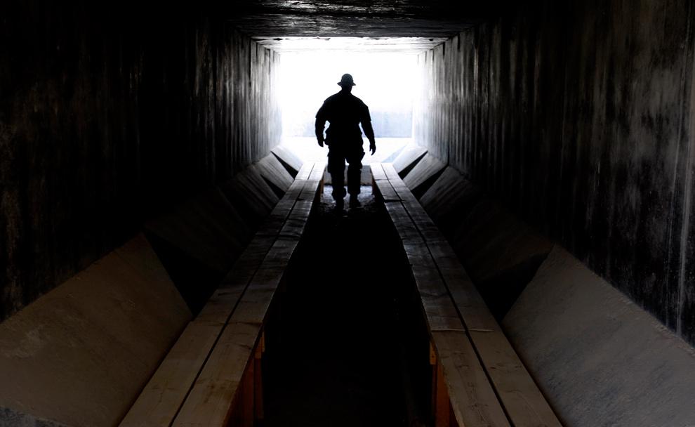 残酷:2010年1月的阿富汗战场 高清大图[42P]