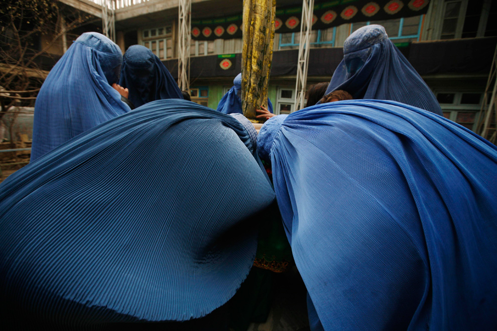 highland mills muslim women dating site To cover the aurat: the donning of the jilbab by devout muslim women was in part a statement of a caught dating in secluded places late on a saturday.