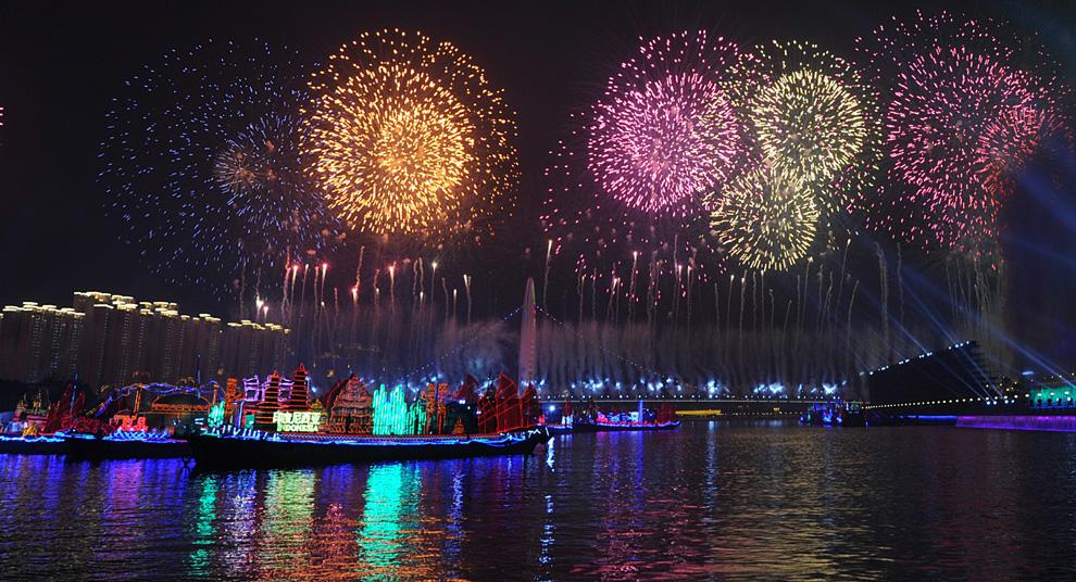 I fuochi d'artificio della cerimonia di apertura dei Giochi