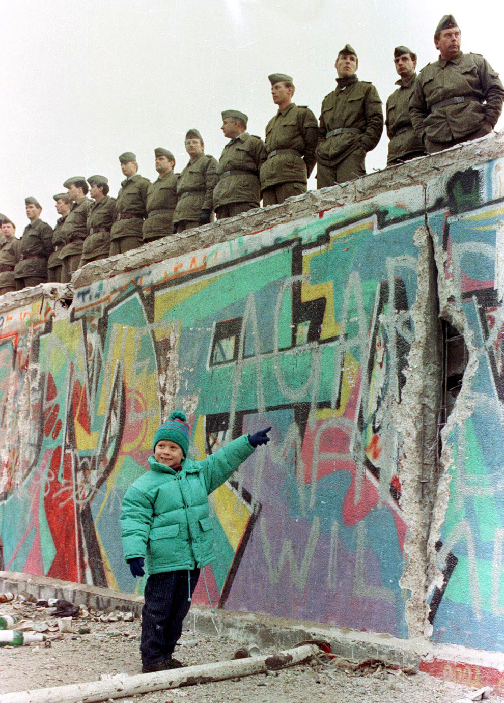 remembering the berlin wall photos the big picture com