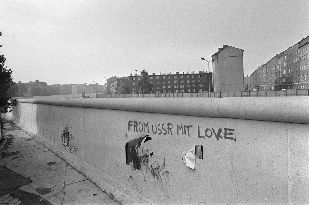 Remembering The Berlin Wall Photos The Big Picture Boston