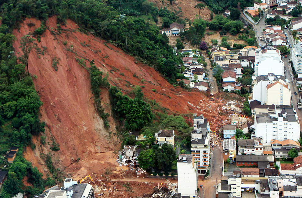 Landslides in Brazil - Photos - The Big Picture - Boston.com