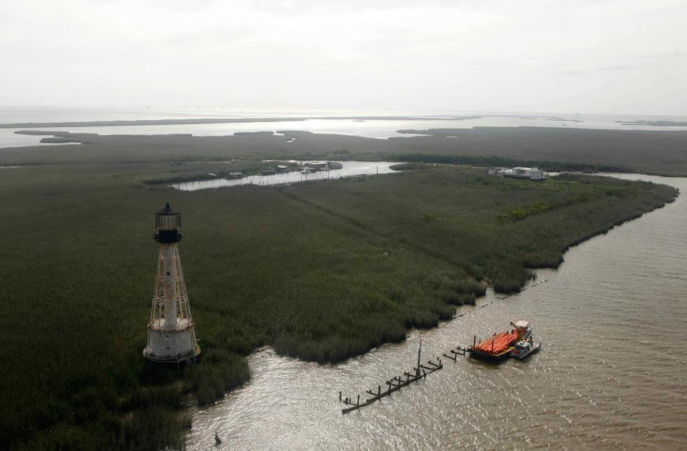Một số hình ảnh về vụ tràn dầu tại vịnh Mehico>>Khủng khiếp D18_23208191