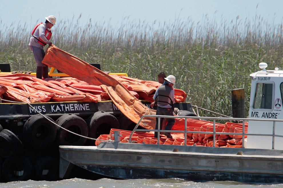 Một số hình ảnh về vụ tràn dầu tại vịnh Mehico>>Khủng khiếp D22_23211039