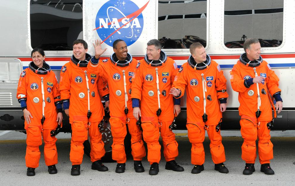 スペースシャトルの打ち上げから帰還まで