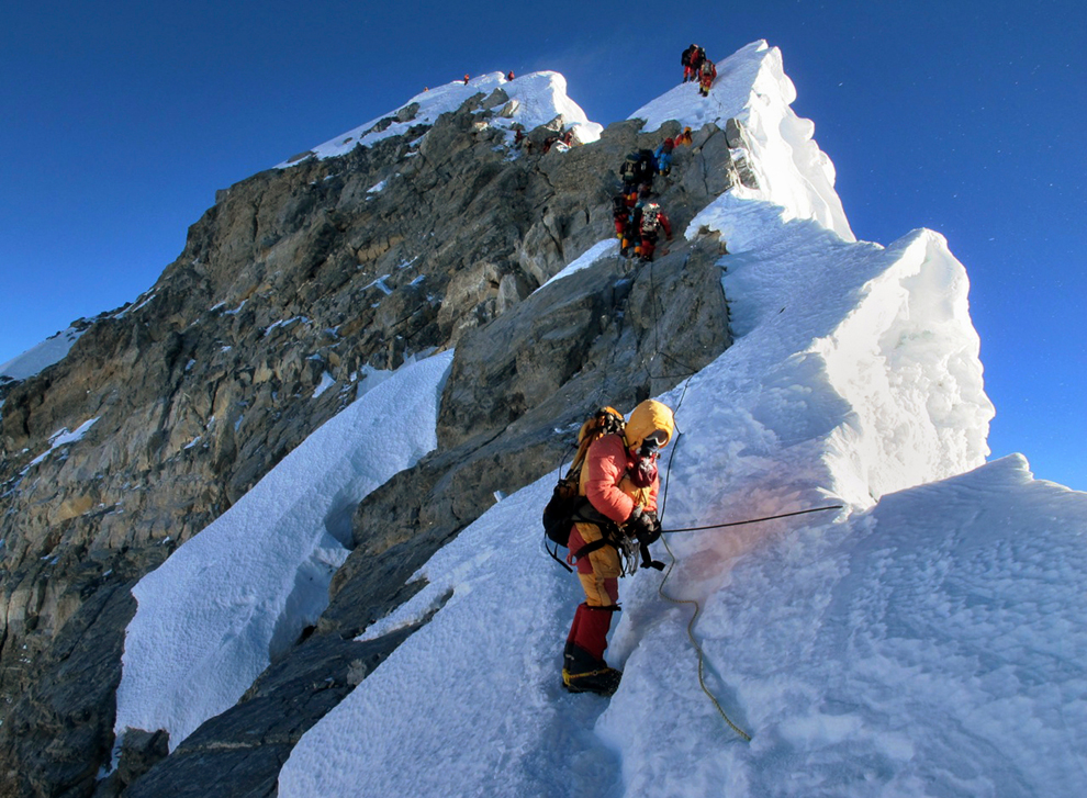 climbing mount everest photos the big picture com