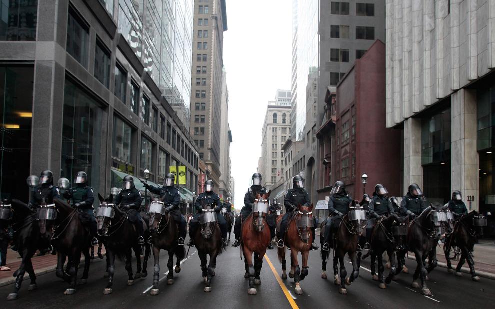 G20 à toronto... certains chevaux n'ont pas de chances... G18_24089839