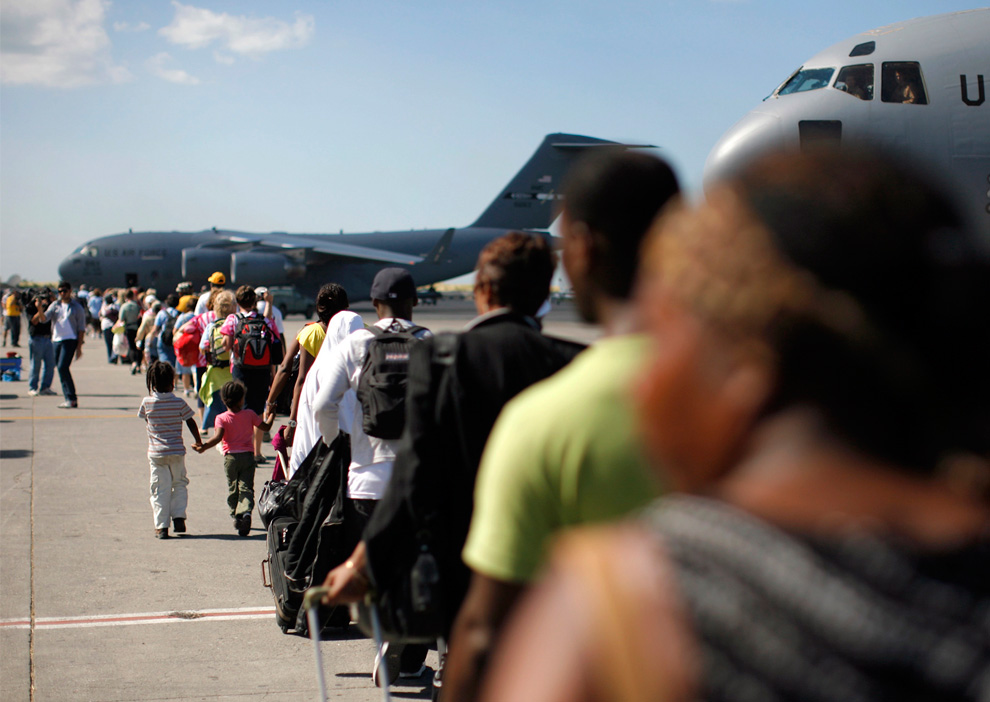 Haiti Earthquake C-17 Globemaster III plane
