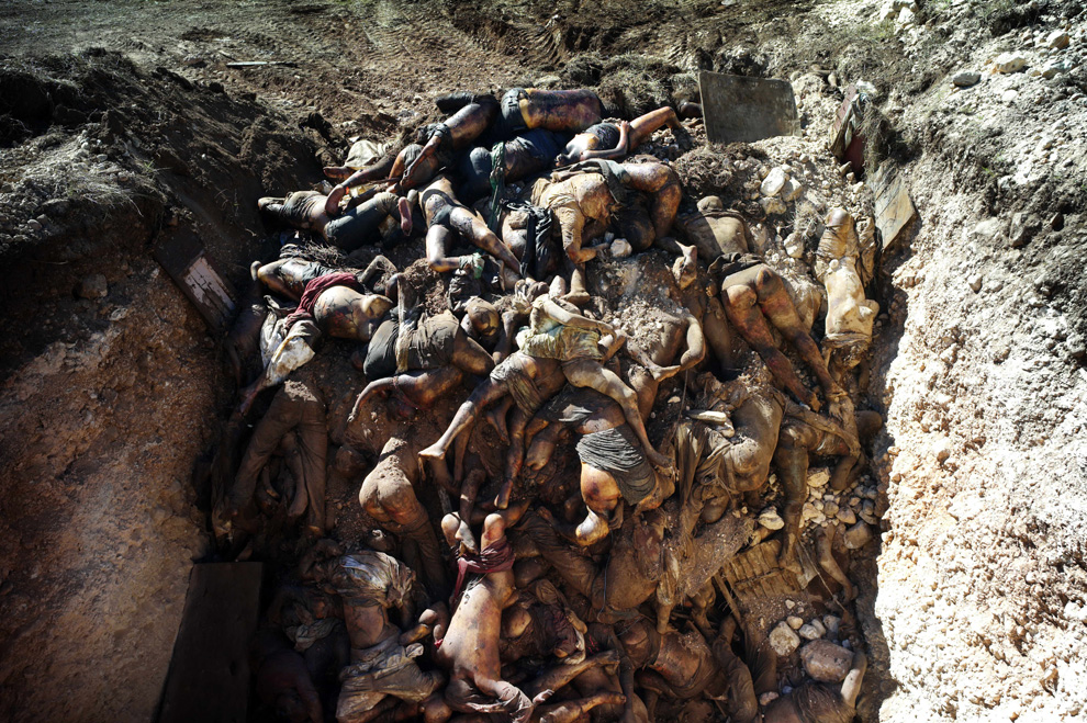 Haiti Earthquake mass grave