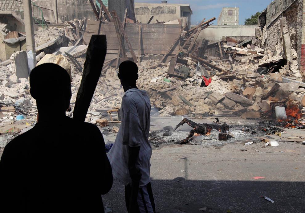 Haití Terremoto cuerpo quemado