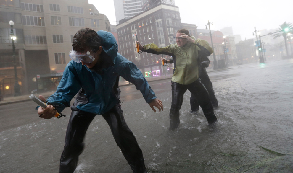 Hurricanes and typhoons - Photos - The Big Picture - Boston.com