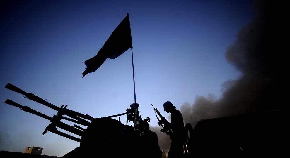 Dois anos após Kadafi, caos cresce na Líbia