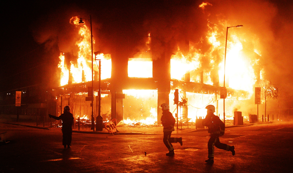 London Riots More Photos and pictures