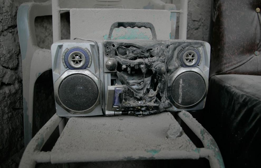 Radio terkena awan panas