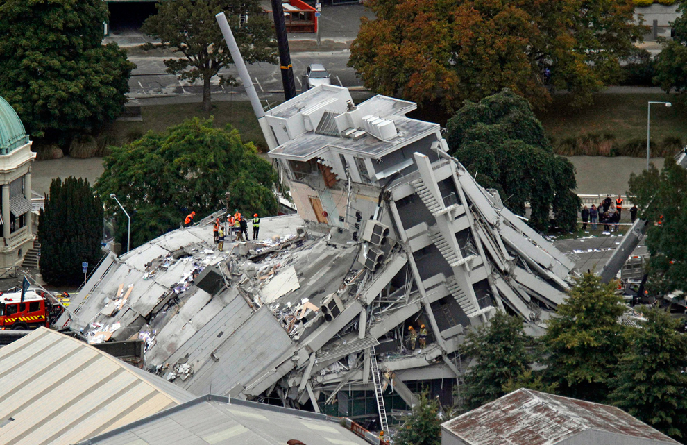 christchurch earthquake 2011 Causes the 63 magnitude earthquake struck new zealand at 12:51 on 22 february 2011 the epicentre was 6 miles south east of christchurch and the focus was very shallow at 31 miles.