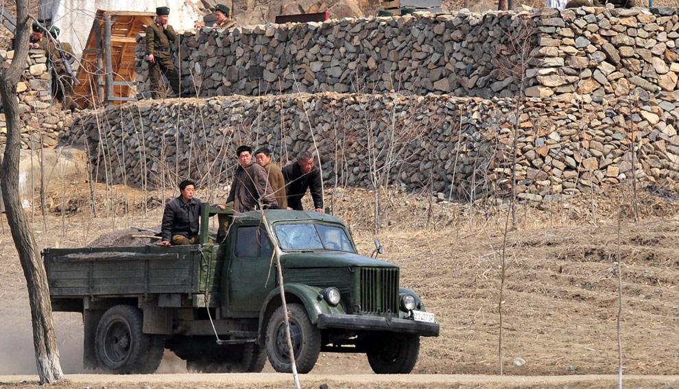 n17 18526371 Подглядывая за Северной Кореей