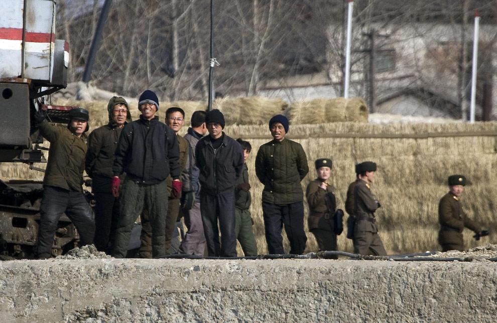 n21 18385305 Подглядывая за Северной Кореей