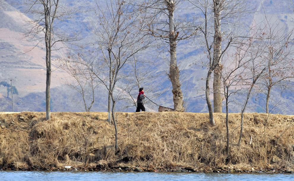 n30 18550993 Подглядывая за Северной Кореей