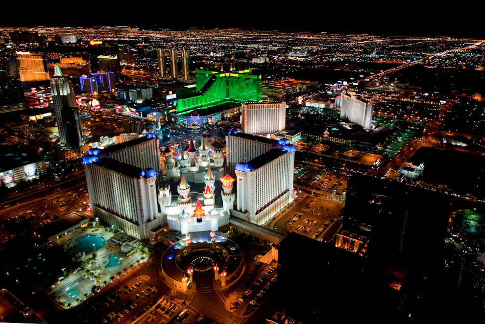Nyc And Las Vegas From Above At Night Photos The Big