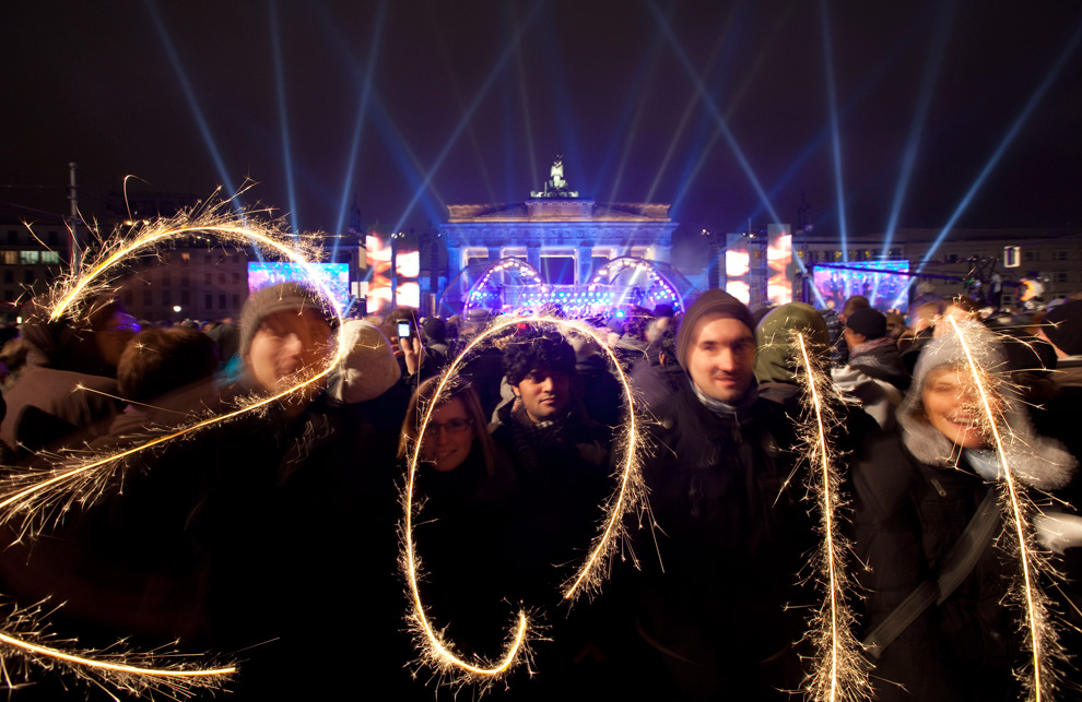 Hundreds of thousands of people celebrate the beginning of the New Year 2010