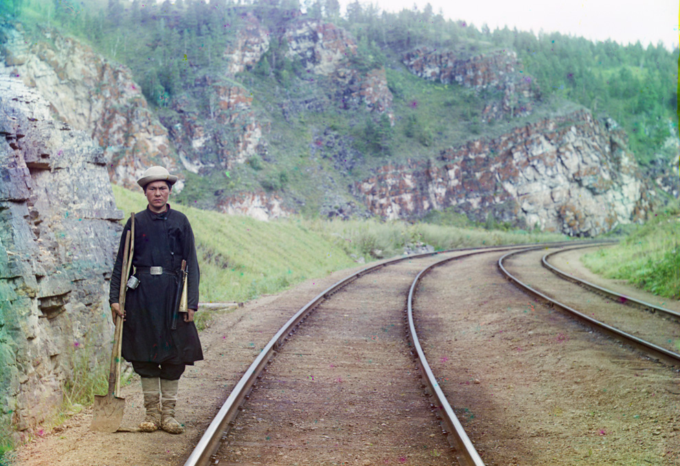 A switch operator poses on the Trans-Siberian Railroad, near the town of Ust Katav on the Yuryuzan River in 1910. Google Map, (Prokudin-Gorskii Collection/LOC) #