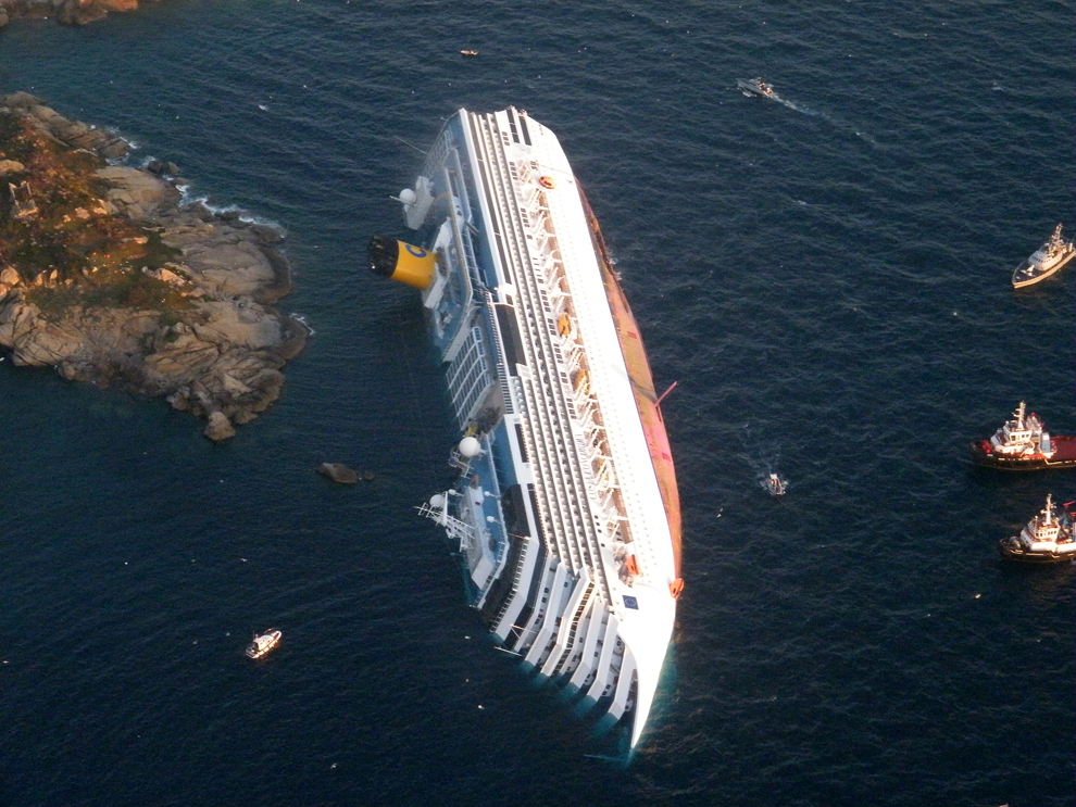CAPTAIN TAREK DREAM Costa Concordia Cruise Ship Runs ...