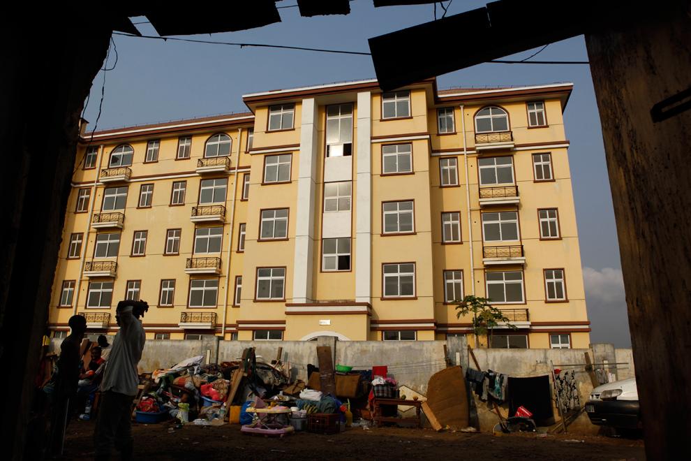 مليار يعيشون الأحياء الفقيرة جميع bp55.jpg