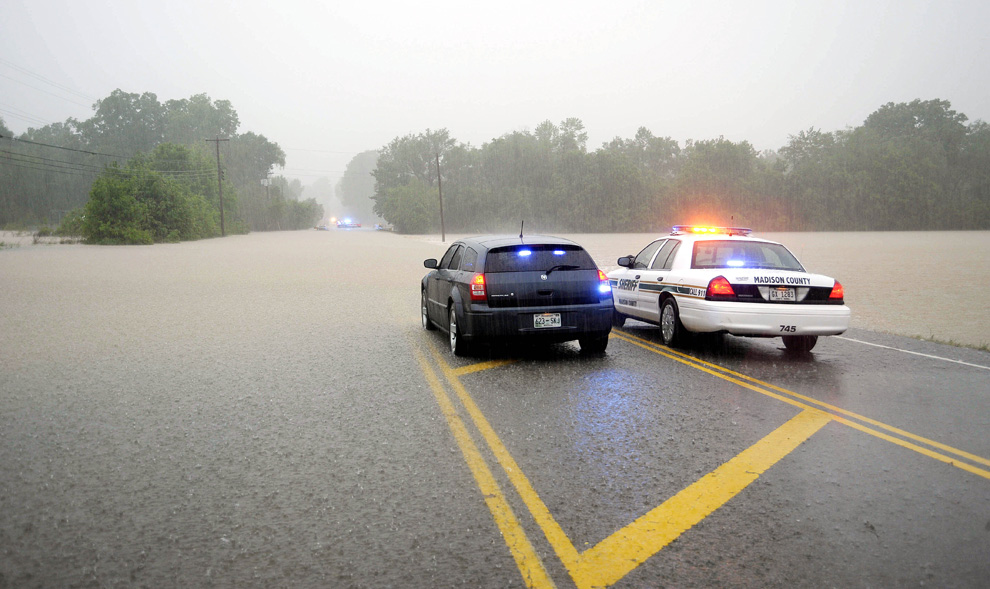 Flooding in Tennessee - Photos - The Big Picture - Boston.com