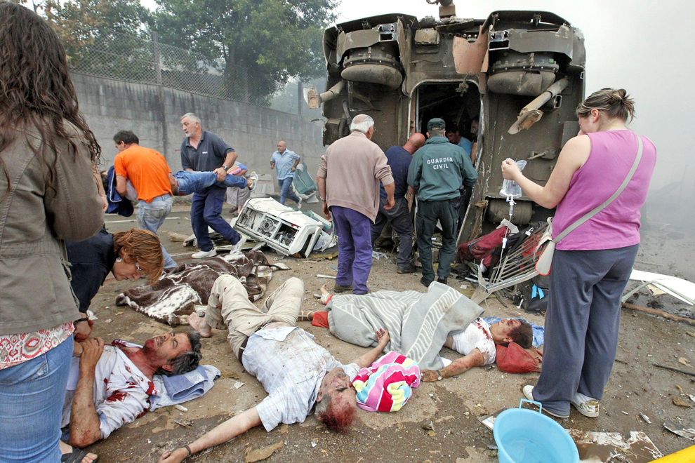 Train Crash In Spain Photos The Big Picture Boston Com