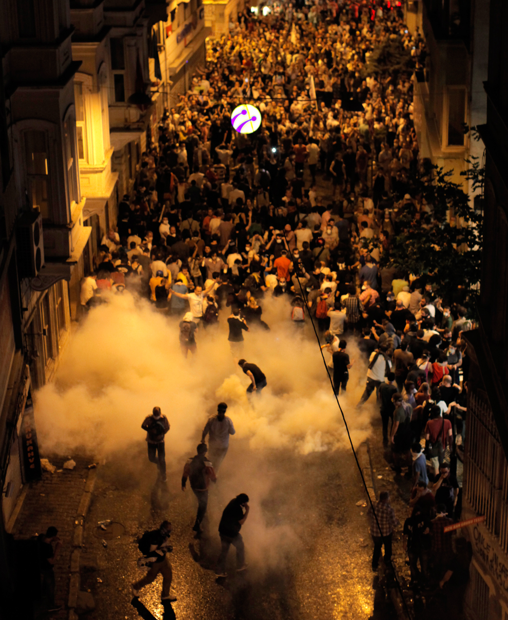 "protests in turkey Istanbul: president recep tayyip erdogan warned sunday of a ""heavy price"" for protests against turkey's military operation against syrian kurdish militia, after the pro-kurdish peoples' democratic party (hdp) called on people to take to the streets."