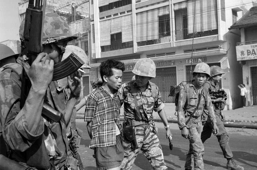 picture south vietnam and eddie adams Bbc news on 1 february 1968, two days after the forces of the people's army of vietnam and the viet cong launched the tet offensive eddie adams's.