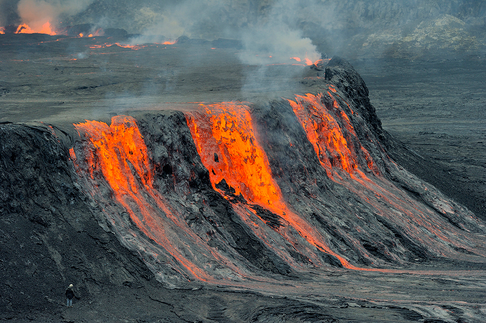 mount nyiragongo volcanoes world magnificent and Few volcanoes are as spectacular as mount nyiragongo  thousands of years  ago, is one of the world's most well-known stratovolcanoes.