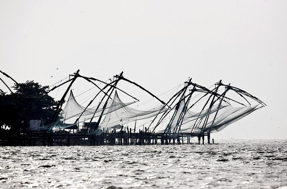 Китайские рыболовные сети в Кочине, Индия. Фото сделано с одной из яхт Volvo Ocean Race 2008-2009. (© Oskar Kihlborg)
