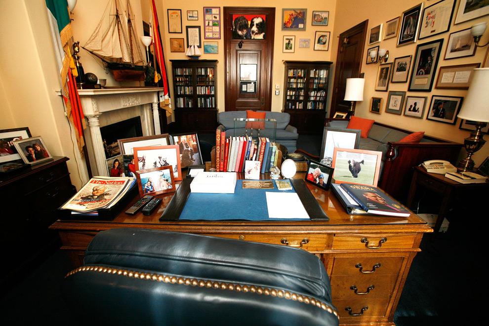 Senator Edward Kenedy Casket: Senator Ted Kennedy, 1932-2009