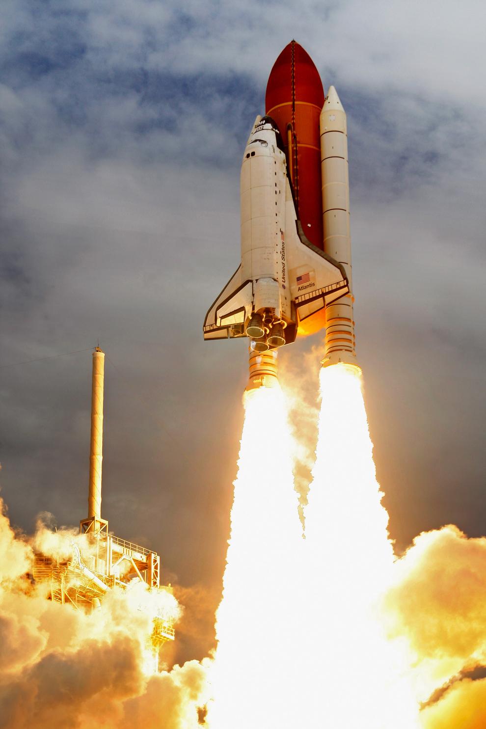 launch of space shuttle atlantis - photo #38