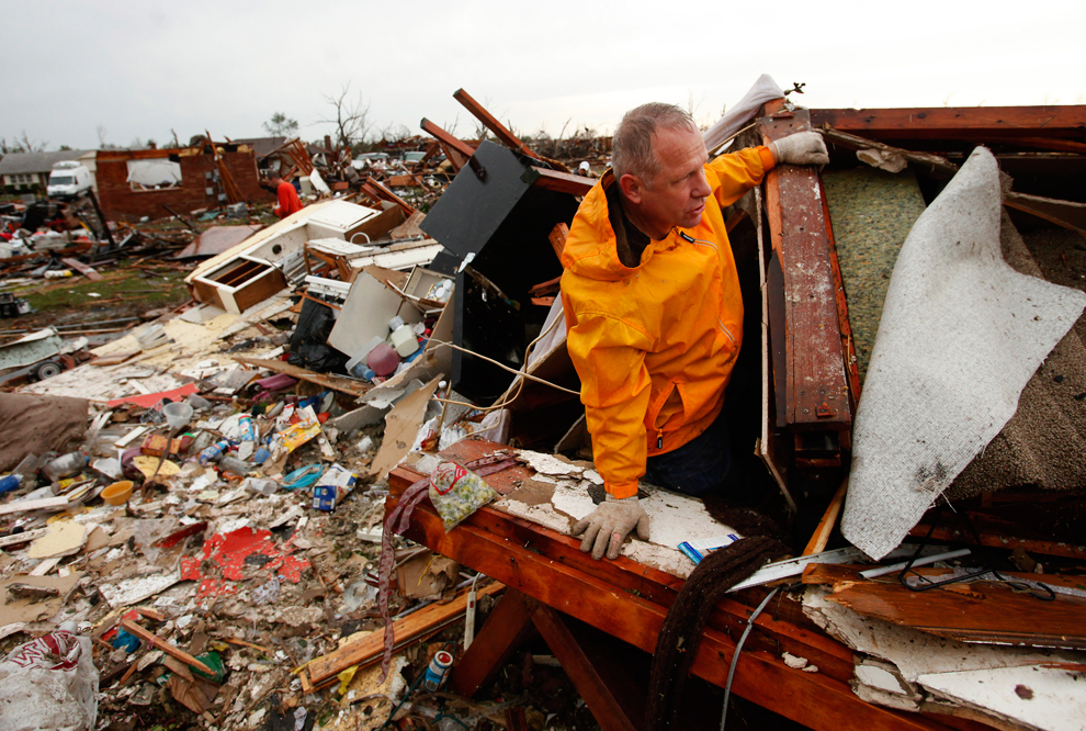 Tornadoes Wreak Havoc In Us Photos The Big Picture