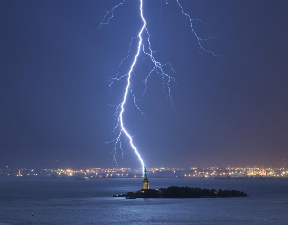 Лучшие фото на конкурсе National Geographic 2010.