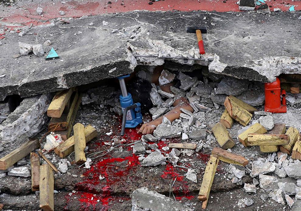 Powerful earthquake strikes the Philippines - Photos - The ...