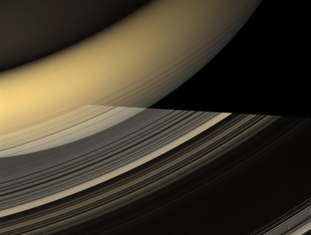 Saturn at equinox - Photos - The Big Picture - Boston com